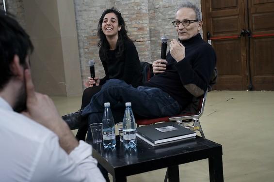 Guido Guidi presentando su trabajo en Fahrenheit 39